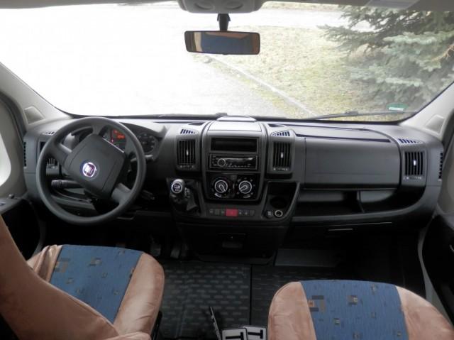 Palubní deska vozu Sunlight A70